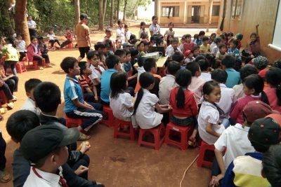 Trường TH Huỳnh Thúc Kháng tổ chức hoạt động ngoài giờ lên lớp tháng 4